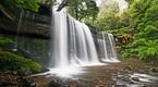 Mưa rơi trên thác Prenn Đà Lạt