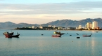 Chiêm ngưỡng vẻ đẹp bình minh trên biển Nha Trang