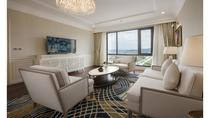 Deluxe Hill Room