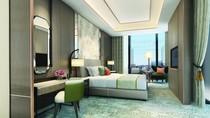 Club Room King/Twin Bed