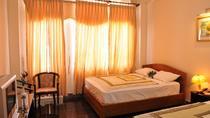 Phòng 1 giường đôi và 2 giường đơn