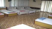 Phòng loại II (5 Giường đôi và 3 Giường đơn)