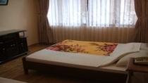 Phòng VIP (1 phòng khách, 1 phòng ngủ  (1 giường đôi, 1 giường đơn 1,2m))