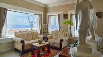 Family Room Beachside