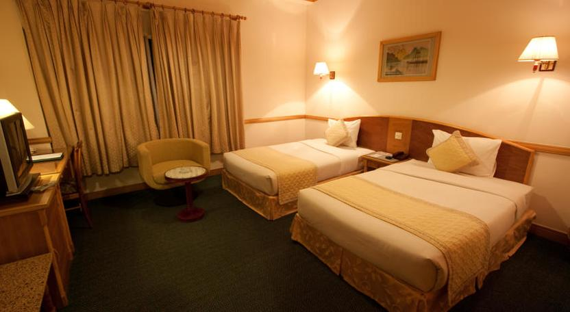 Phòng ngủ khách sạn Oscar Sài Gòn