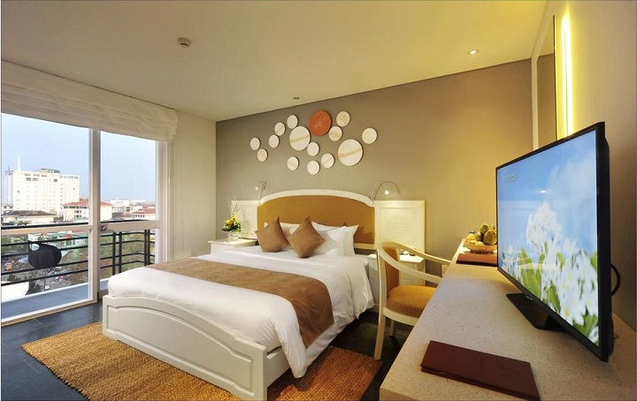 Phòng ngủ view phố