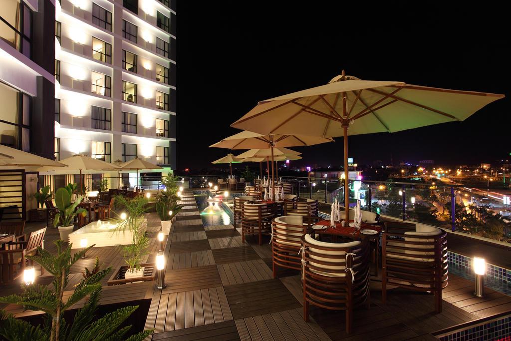 Khách sạn CenDeluxe Phú Yên   Khách sạn Phú Yên